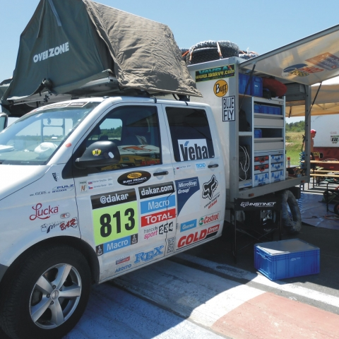 Regálové systémy SORTIMO - Technia na Rally Dakar