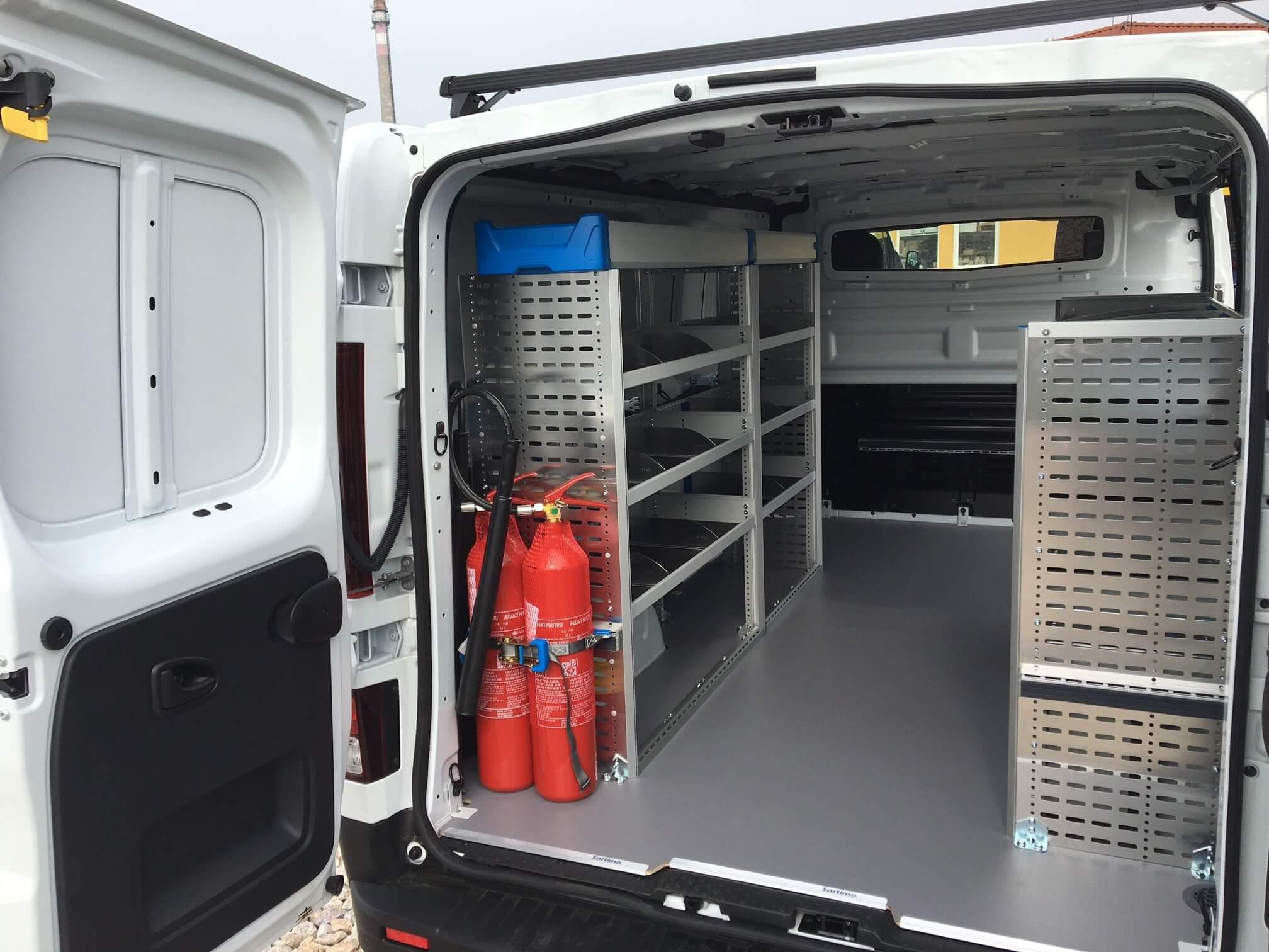 Zariadenie úžitkového vozidla na montáž vzduchotechniky a klimatizácií
