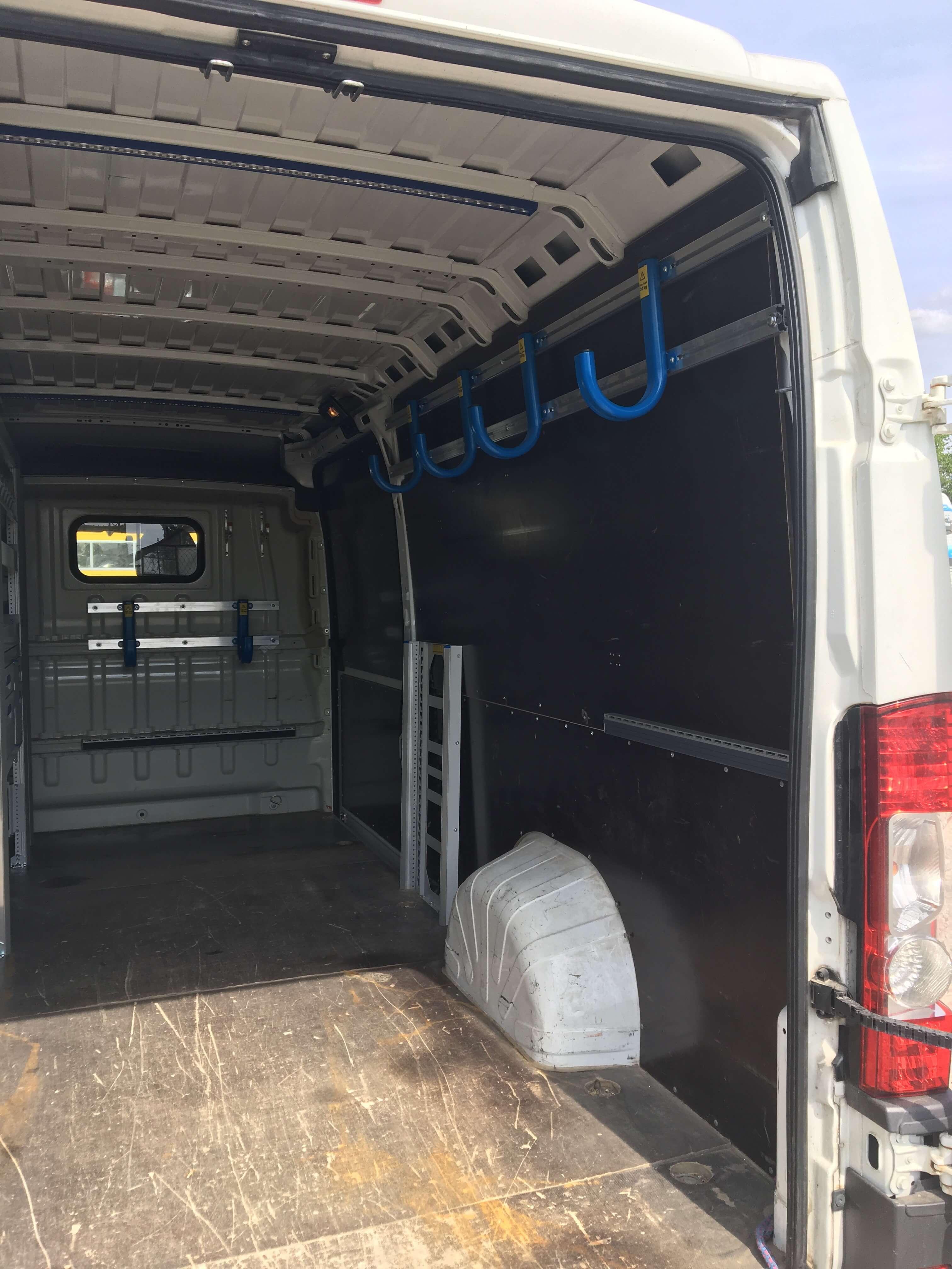 Zariadenie vozidla na montáž a servis klimatizácie a vzduchotechniky - Sortimo